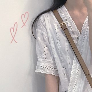 PURE LACE V BLOUSE ♡