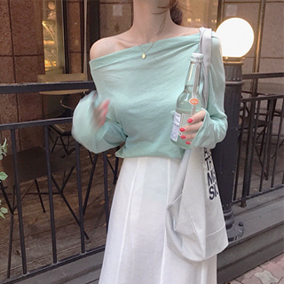 JULY OFF SHOULDER TEE (ONE COLOR)🍏-여리멜론오프숄더